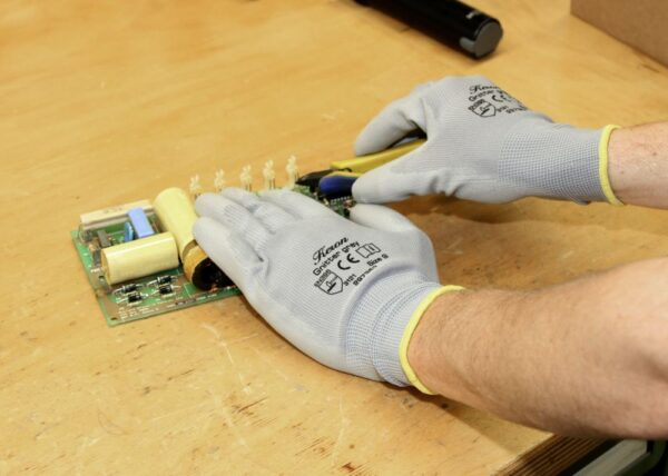 Guanti da lavoro EN 3882016 palmo in poliuretano SENza cuciture